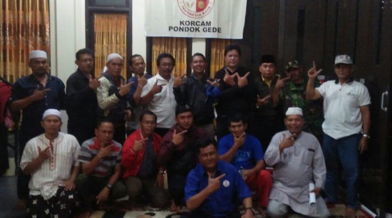 Warga Kampung Kemang Pondok Gede Bekasi Pendukung 02 Nobar Debat Capres Cawapres.