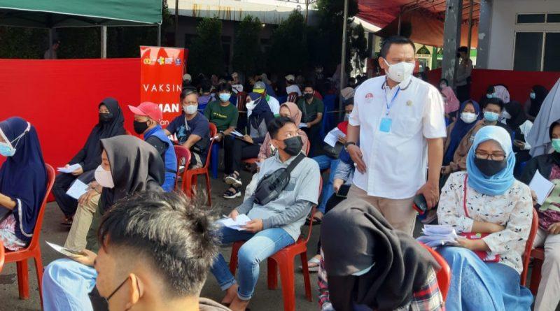 Anggota DPRD Kota Depok, Hamzah Mengapresiasi Giat Vaksinasi Di Sekolah Karya Putra Bangsa
